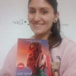 foto mujer conun libro